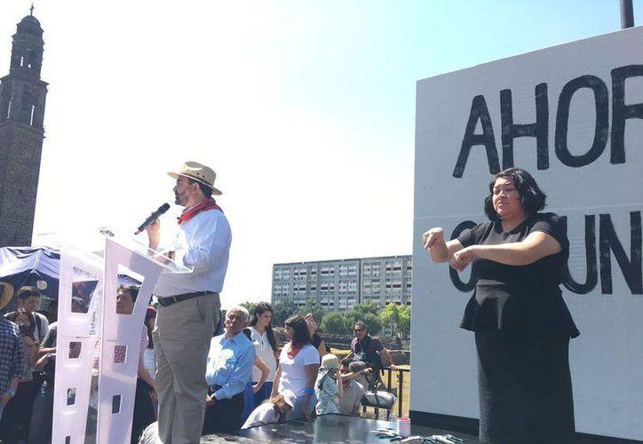 Durante un evento en la Plaza de la Tres Culturas, Emilio Álvarez Icaza,  lanzó el movimiento 'Ahora o Nunca'. (twitter.com/EmilioAlvarezI)