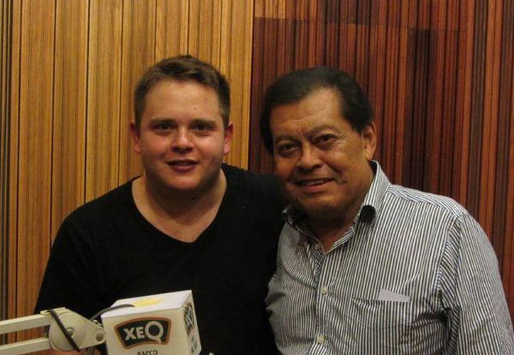 El cantautor yucateco Armando Manzanero externó su pesar por el deceso del compositor Jorge Massías Gómez. (podomatic.net)