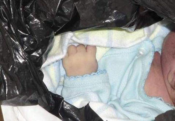 El bebé nació vivo y fue asfixiado, comentó la policía de Nueva York. (Foto de contexto/Internet)