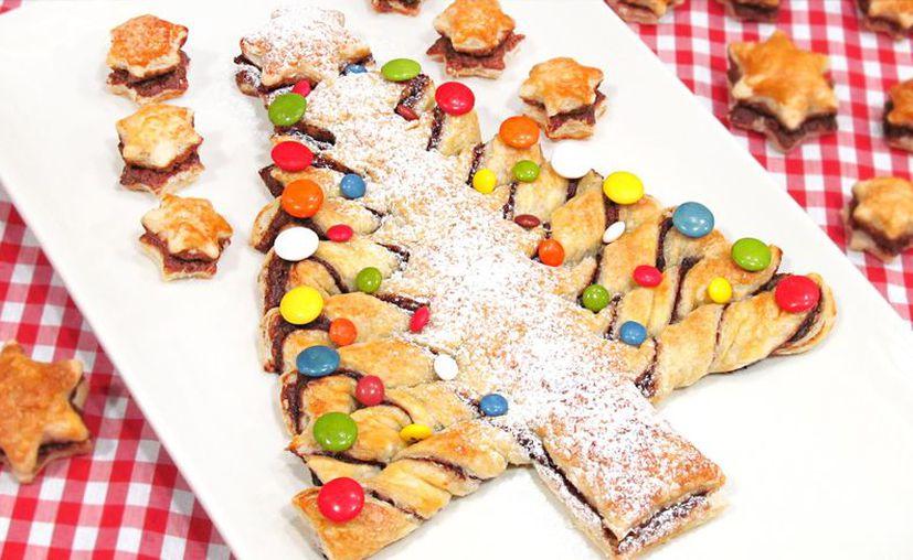 El arbolito de Navidad se rellena con nutella y se decora con nuez y dulces. (Foto: Contexto)