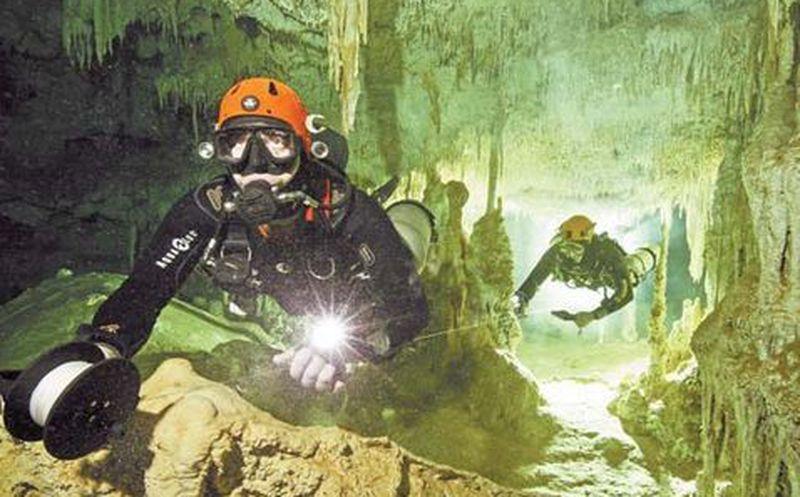 Descubren la cueva inundada más grande del mundo... y está en México