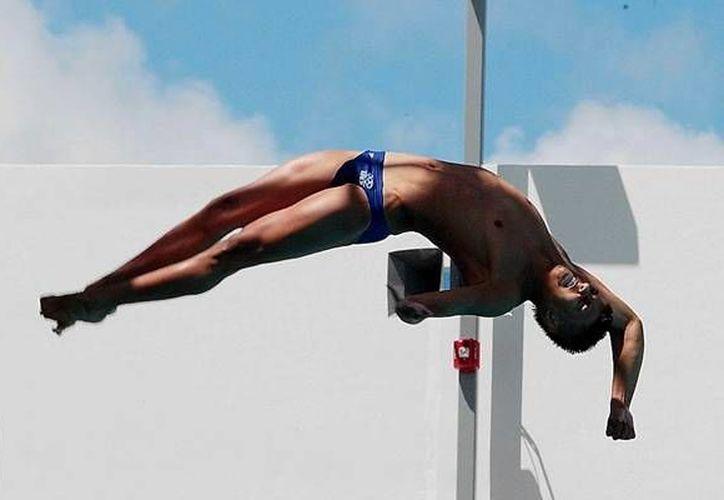 Gracias a la mala actuación de uno de los favoritos para la medalla, el mexicano subió al podio. (mediotiempo.com)