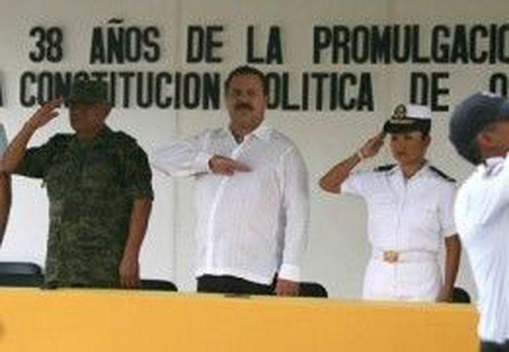 Asistieron al evento, el presidente municipal de Benito Juárez, Julián Ricalde Magaña; el comandante de la Guarnición Militar de Cancún, entre otros. (Cortesía/SIPSE)