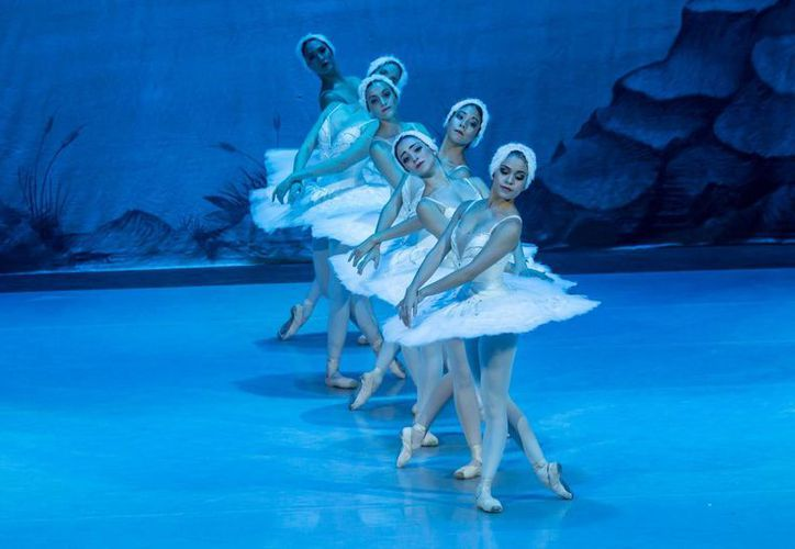 El ballet El Lago de los Cisnes se presentará el 7 de mayo en el Teatro de la Ciudad, en Playa del Carmen. (Adrián Barreto/SIPSE)