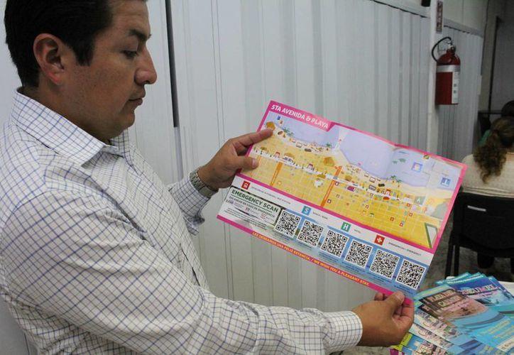 En el mapa se ubican las calles, lugares de interés, resguardos anticiclónicos, edificios policiales, de emergencias, bomberos y hospitales. (Ángel Castilla/SIPSE)