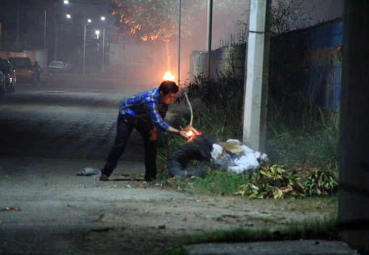 Autoridades emiten recomendaciones sobre venta y uso de artículos con pólvora. (Milenio Noveddaes)