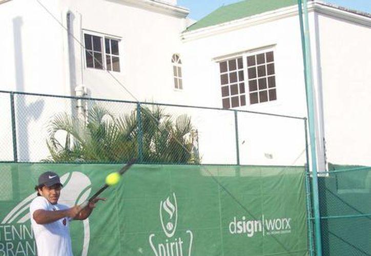 Los tenistas están listos para la siguiente ronda del torneo. (Raúl Caballero/SIPSE)