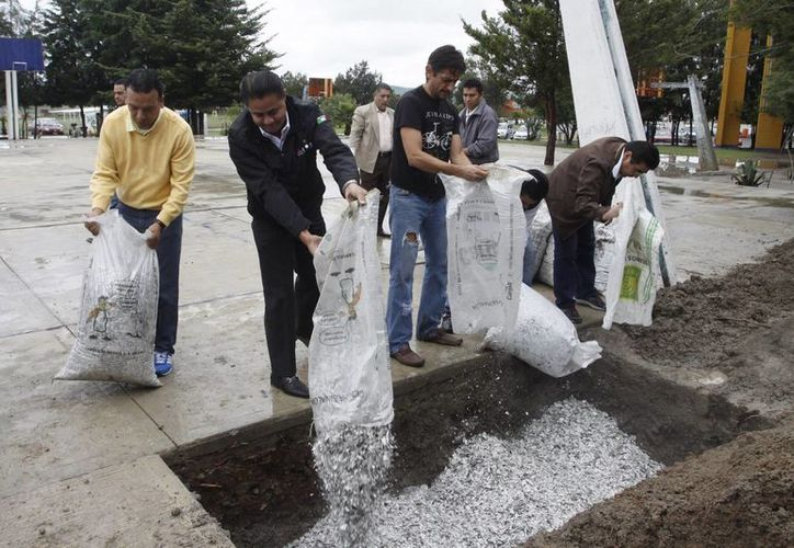 Encementación en Puebla de credenciales del Instituto Nacional Electoral que perdieron su vigencia. (Notimex/Foto de archivo)