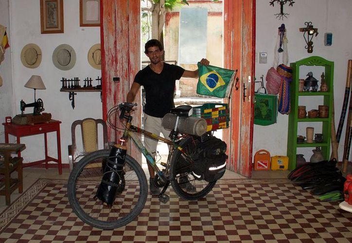 El brasileño Rodrigo Mattos, quien recorre América, se hospedó en esta vivienda. (Foto: Christian Coquet/SIPSE)