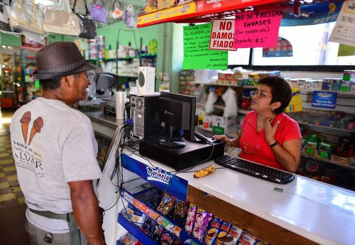 Los pequeños comerciantes apenas están asimilando el nuevo sistema fiscal. (Luis Pérez/SIPSE)