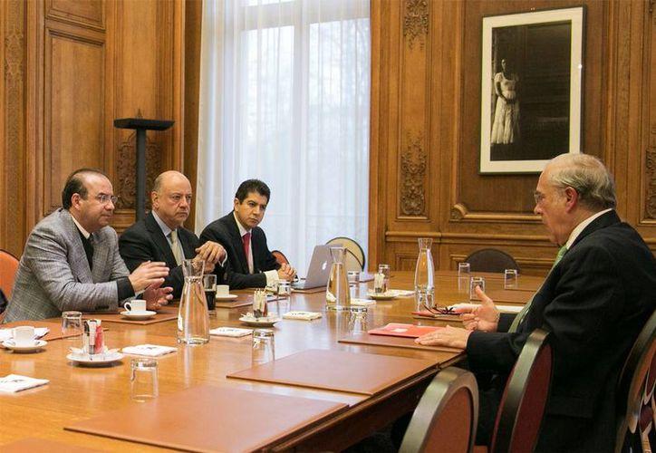 El secretario del Trabajo, Alfonso Navarrete, y el titular de la OCDE, José Ángel Gurría, coincidieron en el Foro de Alto Nivel sobre Política Migratoria que se realiza en Francia. (stps.gob.mx)