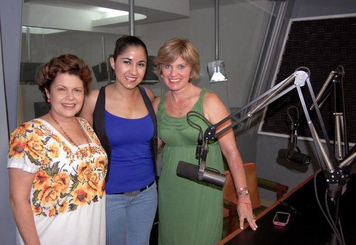 Alis García, Alejandra López López y María Teresa Fernández Maldonado, en Salvemos una Vida. (Wilbert Argüelles/SIPSE)