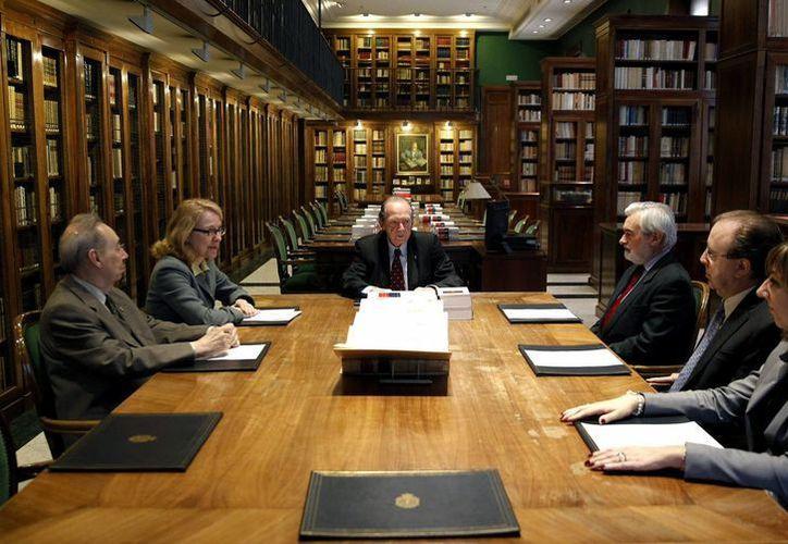 La RAE festeja el tercer centenario de su fundación con nuevo Diccionario del Español. (EFE)