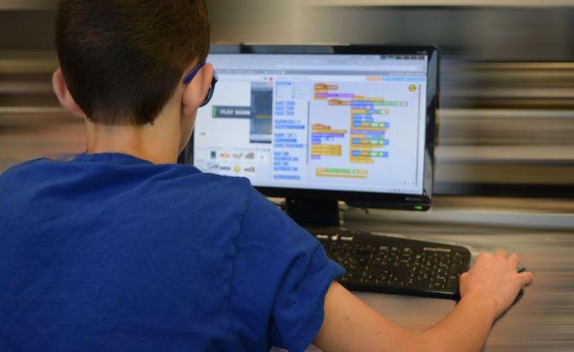 Varias escuelas tienen que apoyarse de de plataformas digitales para no perder el proceso de aprendizaje. (Foto: Pixabay)