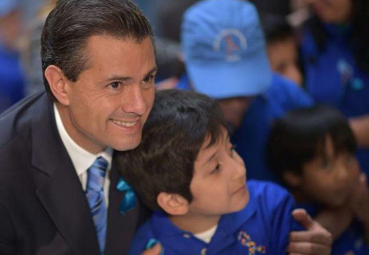 El presidente Enrique Peña envió una felicitación a todas las madres de México al celebrarse su día. (presidencia.gob.mx/Foto de archivo)