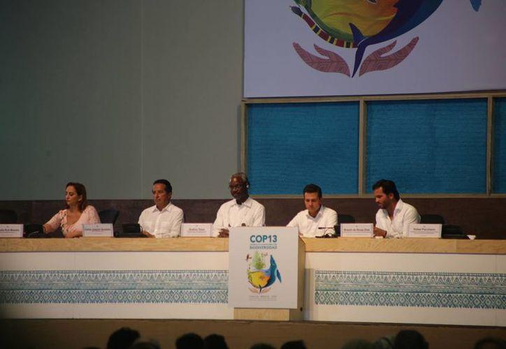 Se tratan temas sobre la biodiversidad en la primera plenaria de la COP 13. (Israel Leal/SIPSE)