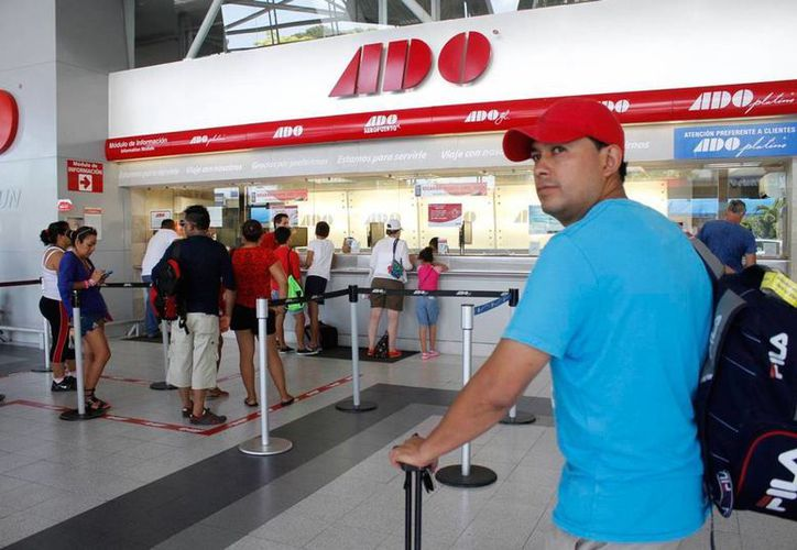 El ejecutivo del grupo ADO consideró que la implementación del nuevo calendario escolar apoyará en el incremento de las ventas para el traslado de personas por las ciudades del sureste del país. Se calcula que 110 mil pasajeros saldrán de Yucatán hacia otros destinos. (SIPSE)