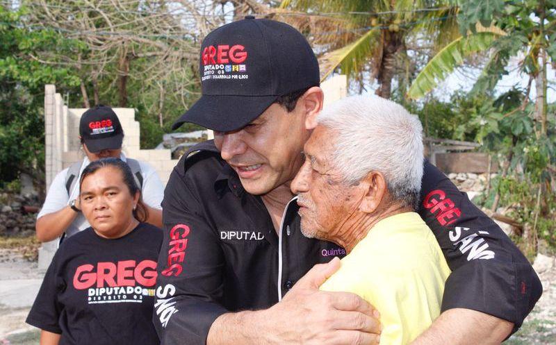 La gente mayor de 50 años también sufre discriminación de tipo laboral, dijo el candidato. (Foto: Redacción/SIPSE)