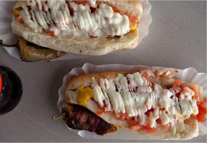 Las salchichas y la mayonesa que consumieron los intoxicados estaba en mal estado. (Foto de contexto)