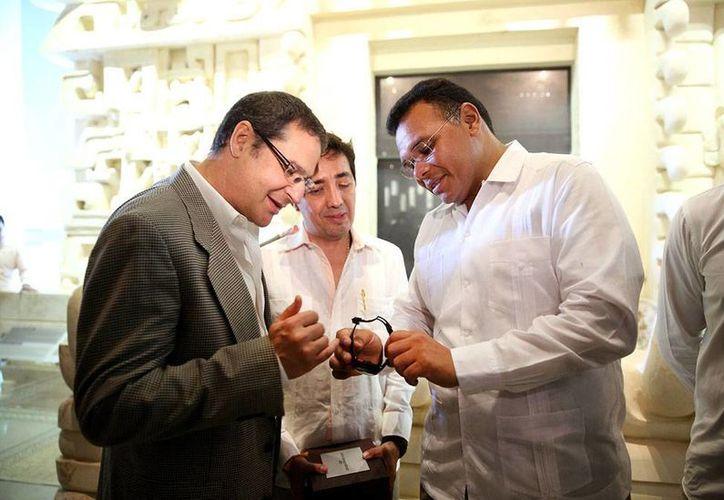 """La marca suiza Girad-Perregaux fabricó un reloj conmemorativo de Chichén Itzá: """"Chrono hawk"""", del que se fabricarán 30 piezas. (Cortesía)"""