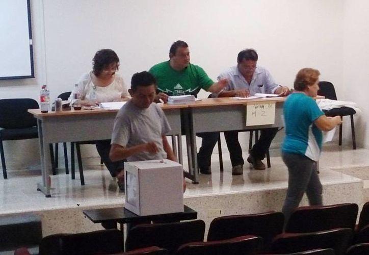 La mayor afluencia de votante fue en centros de Salud de Mérida como el Hospital General Agustín O'Horán. (Milenio Novedades)
