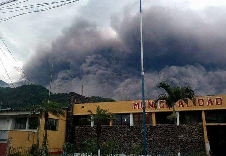 Sepultadas decenas de personas al paso de la ceniza volcánica. (Foto: Europa Press)