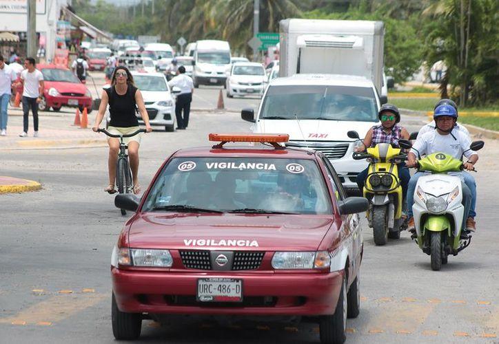 Taxistas no ofrecen servicio de calidad. (Foto: Gustavo Villegas)