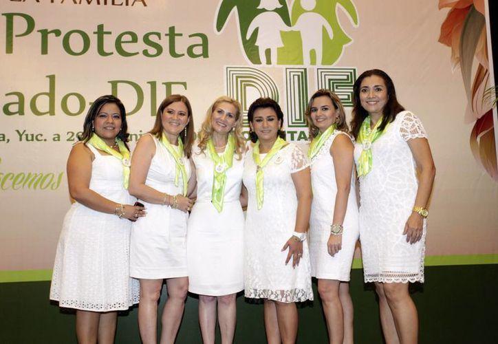 El Voluntariado del DIF, fundado en 2013, cuenta con 60 mujeres destacadas. (Milenio Novedades)