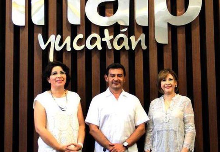 El Consejero presidente, Víctor May (centro), fue reelegido para el período 2015–2016. Antes hizo un balance del Plan de Trabajo del Consejo General. (Milenio Novedades)