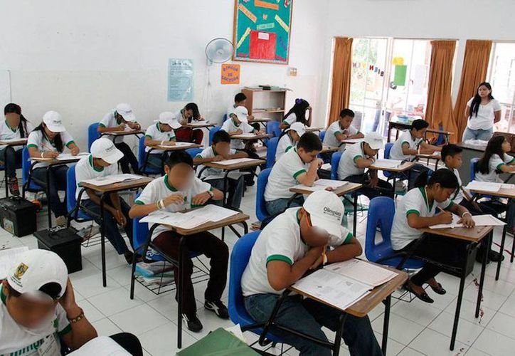 Alumnos de varias escuelas primarias del Estado 'compitieron' hoy en la fase estatal de la Olimpiada del Conocimiento Infantil 2015. De los 121 participantes, 23 recibirán el privilegio de pasar a la fase nacional. (Cortesía )
