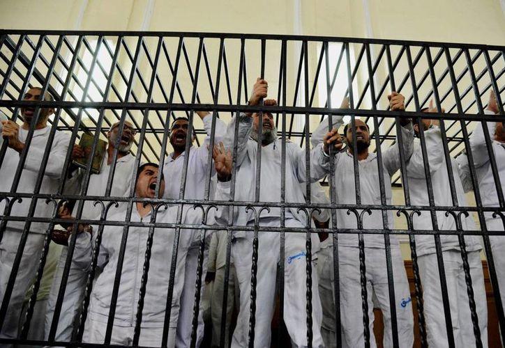 Faltan unos 40 islamistas encarcelados por recibir sentencia, la cual se prevé para el 5 de julio. (AP)