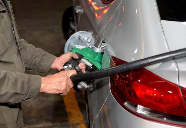 La Profeco podrá sancionar con multas de hasta 24 millones de pesos a las estaciones que vendan gasolinas y diésel a un precio mayor al máximo autorizado. (@Profeco)