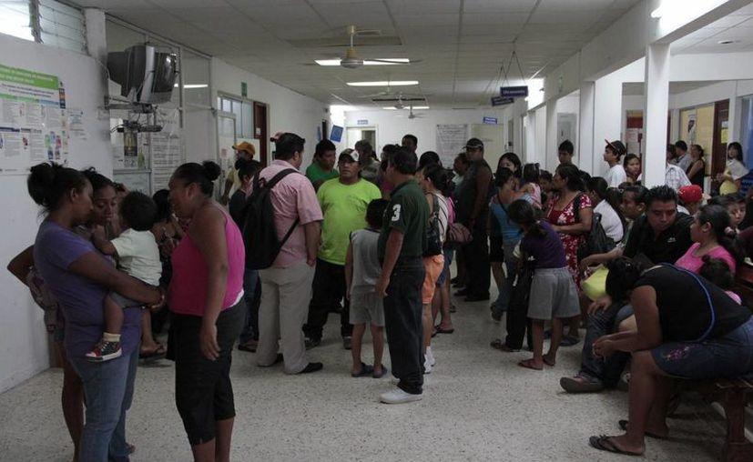 Previenen a la población para que no abuse en el consumo de medicamentos. (Tomás Álvarez/SIPSE)