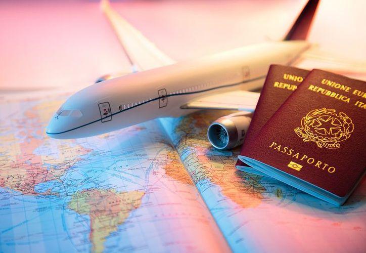 La aerolínea WOW Air, a través de su sitio de Internet, se encuentra reclutando a una pareja de personas que esté dispuesta a viajar. (Foto: Contexto)