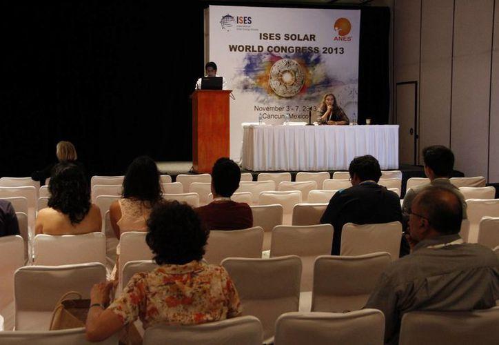 Congreso mundial sobre el uso de la energía solar. (Tomás Álvarez/SIPSE)
