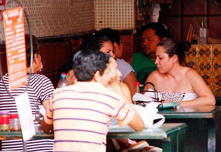 Los restaurantes de Mérida se preparan para una buena jornada en el Día del Madre que les permita un respiro: hasta ahora, las ventas no les satisfacen. La imagen es de contexto. (Milenio Novedades)