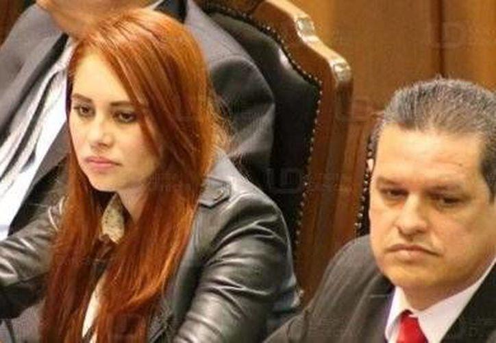 La diputada local, Lucero Guadalupe Sánchez López, reapareció en el Congreso de Sinaloa durante la apertura del Quinto Periodo Extraordinario de sesiones. (twitter.com/Noticierista)