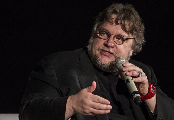 El realizador mexicano Guillermo del Toro ha sido nombrado como el Cineasta Internacional del Año por CineEurope. Los honores se realizarán en Barcelona en junio. En la foto se observa a Del Toro en las actividades del Festival de cine de Guadalajara 2015 (Notimex)