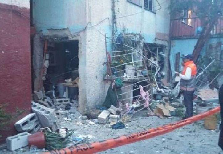 El estallido mortal en Tepito se originó al interior de un departamento del número 153 de la calle Manuel Doblado esquina con Eje 1 Oriente. (Milenio)