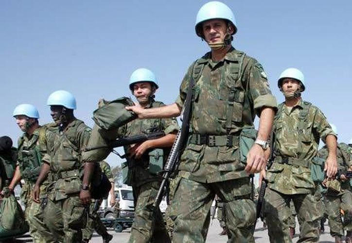 El fin del grupo llamado cascos azules, es ayudar a los ciudadanos en momentos de crisis de todo ámbito. (AP)