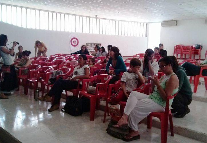 Sin autoridades y pocos participantes se llevó a cabo el encuentro. (Rossy López/SIPSE)