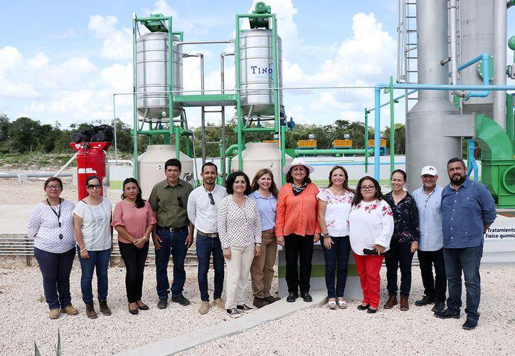 Después de su visita, la comisión de diputados comentó que la granja supera los requerimientos que establecen las normas vigentes para el funcionamiento de estos sitios.