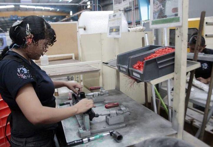 La falta de una cultura laboral y de responsabilidad por parte de las empresas son factores determinantes en la salud laboral, lo que igualmente merma la productividad del trabajador. (Imagen ilustrativa/ Milenio Novedades)