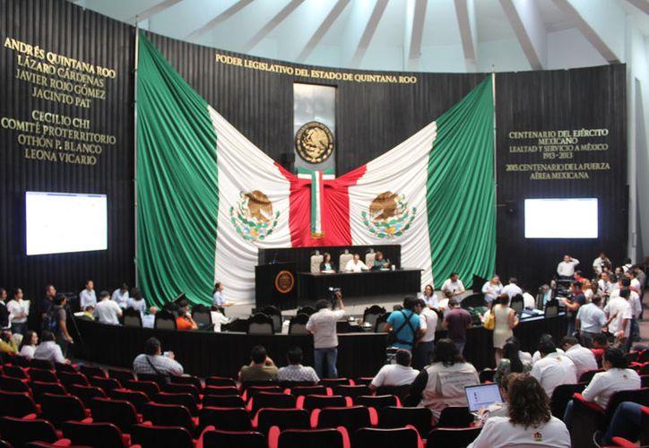 En la sesión del Congreso se solicitó urgentemente el expediente sobre la intención de ampliación de concesión de transporte. (Herlindo Vázquez/SIPSE)