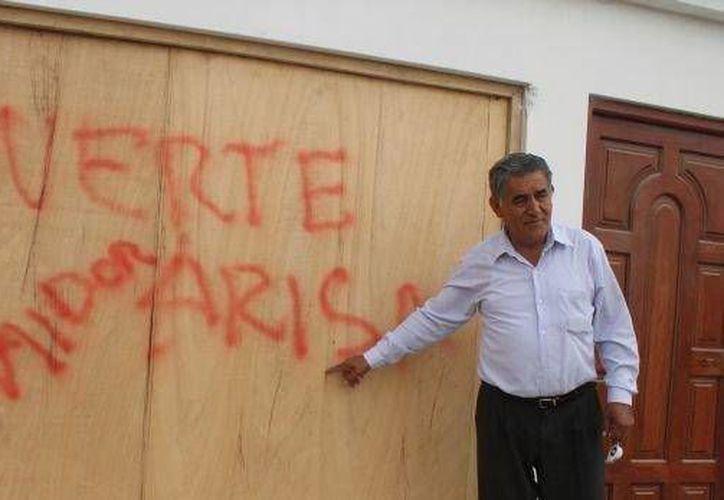El alcalde de Samanco, en Perú, Francisco Ariza, fue asesinado a balazos y su cuerpo fue incinerado. (elcomercio.pe)