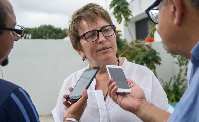 Laura Beristain Navarrete dijo que es necesario satisfacer las necesidades elementales de los vecinos. (Cortesía)