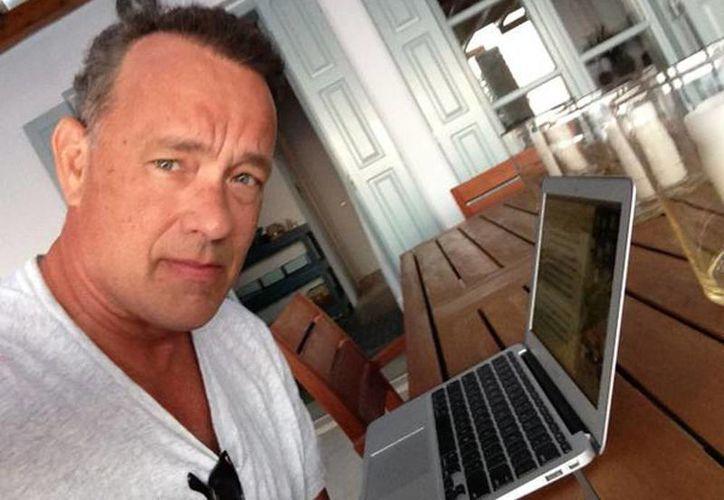 Tom Hanks desarrolló su aplicación ya que es un amante de las máquinas de escribir tradicionales, tan sólo en su colección tiene unos 200 modelos. (Twitter/Tom Hanks)