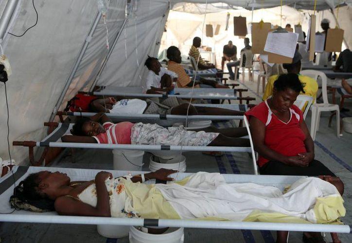 Lejos de desaparecer, el brote de cólera que afecta Haití desde 2010 sigue amenazando la vida de miles de personas. (Archivo/EFE)