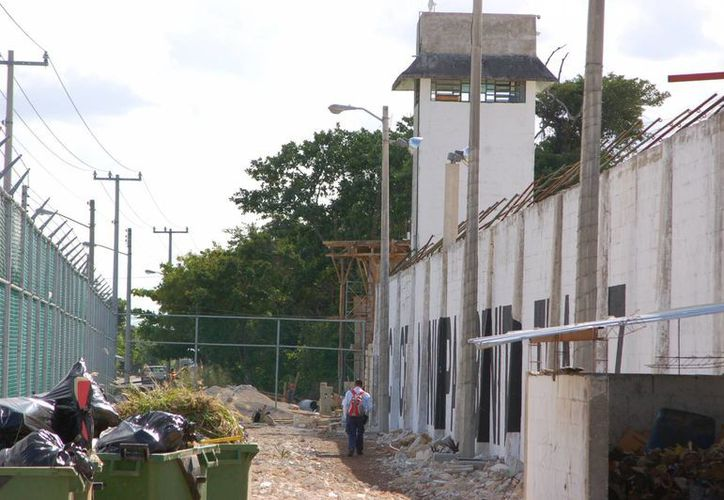 La cárcel de Cancún tiene una inversión de un millón 500 mil pesos, para reforzar medidas de seguridad. (Sergio Orozco/SIPSE)