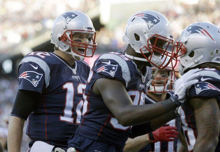 En partido de la novena semana de la Temporada 2015 de la NFL, Nueva Inglaterra continuó con su invicto al derrotar 27-10 a Los Redskins de Washington. (AP)